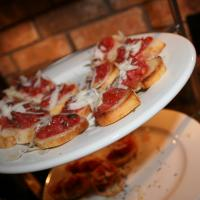 Example of how appetizers like bruschetta can be a big hit.