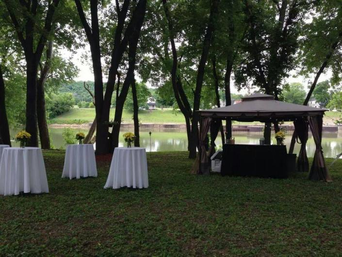 Capture a stunning view for your special day at our Glen-Willis House